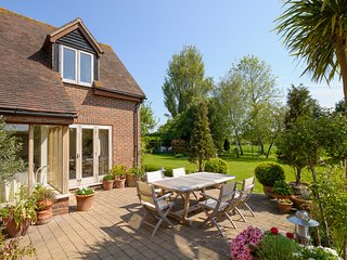 Spacious luxury holiday house Nr  Chichester, Goodwood and  West Wittering