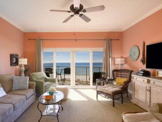Amazing Gulf Views from 4th Floor Unit! Steps to Beach, 2 King Beds, Pool/ Spa -