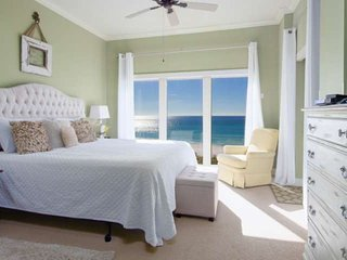 Enjoy The Amazing Gulf Views From the 4th Floor Unit At Beach Manor Tops'l. No H