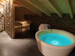 Zermatt Penthouse Apartment Sleeping 8 With Amazing Spa Style Bathrooms