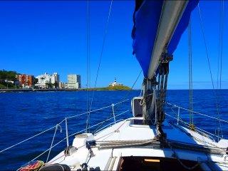 Alugue um veleiro ou lancha em Salvador e conheca a Baia de Todos os Santos