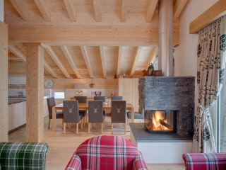 Interconnecting Double Luxury Chalet With 5 Bedrooms Sleeping 10