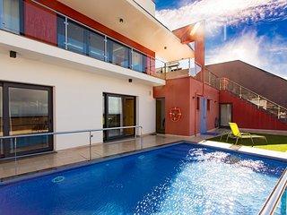 Casa Rodrigues - Modern & Luxury Villa in Canhas