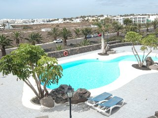 Great 2 storey apartment with Communal Pool and wifi LVC230261