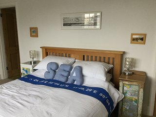 WIFI, beach, Solent Sea View, 3 bedroom comfy coastguard cottage
