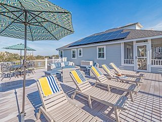 3BR Coastal Retreat w/ Large Deck and Screened Porch -- Steps to Beach