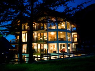 Luxury Chalet With 4 Bedrooms Sleeping With Spa Area In Central Zermatt