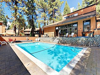 Midtown 2BR w/ Pool & Hot Tub, Private Deck - Drive 2 Minutes to Skiing
