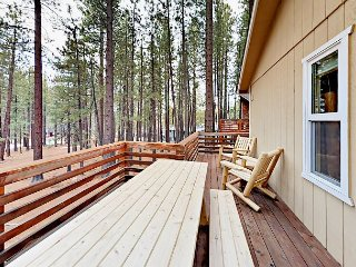 3BR w/ Private Hot Tub in Prime Location – 3 Minutes to Skiing and Beach