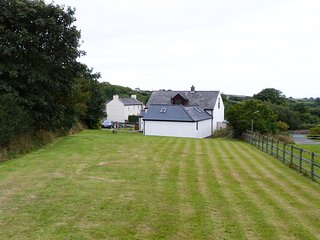 Located by the beautiful Penbrokeshire coast-Bwthyn Penparc:92774