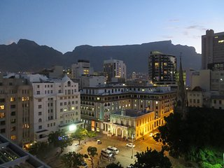 9th floor Greenmarket Sq & Table mountain views