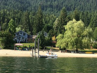 Awesome 4 bedroom Beachfront Home on Kootenay Lake, Nelson BC