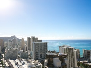 Spacious and Modern in the heart of Waikiki!