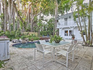 NEW! Coconut Groves Studio Apartment w/Shared Pool