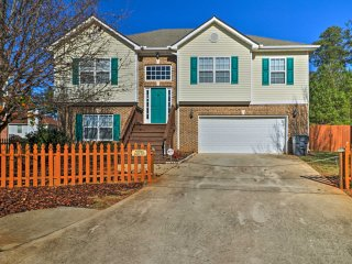 NEW-6BR Locust Grove Home w/Yard-30 Min to Atlanta