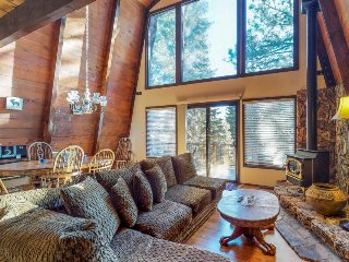 Cozy lodge w/ private deck & gas fireplace - close to town, skiing & lakeshores!