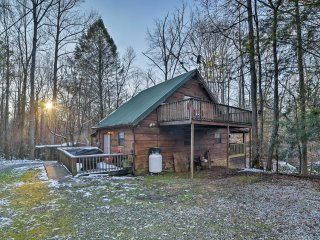 NEW! 3BR Tellico Plains Cabin on 25 Private Acres!