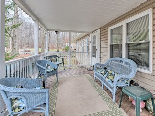NEW! Quaint 3BR Pocono Lake Home w/Private Hot Tub