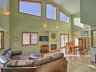 Spacious Silverthorne Home w/Views by Mtns & Lake