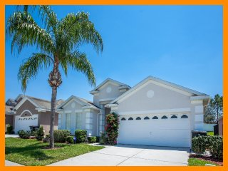 Windsor Palms Resort 21 - 4 bed villa, pool, game room and 3 miles to Disney