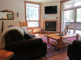Luxury Condo by Main Plaza - Walk to Slopes -  Free Night Offer