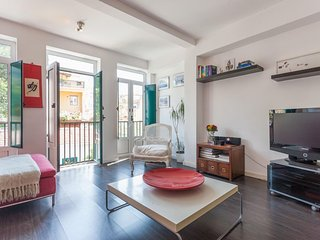 Spacious Príncipe Real Design Flat apartment in Bairro Alto with WiFi.