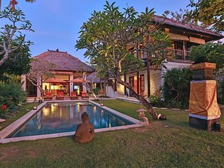 3 Bedroom Luxury Villa in Karma Jimbaran Complex;