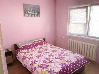 Comfy bedroom close to sunny Mamaia resort