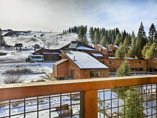 NEW! 2BR Condo - Deck w/ Mtn Views, Walk to Slopes