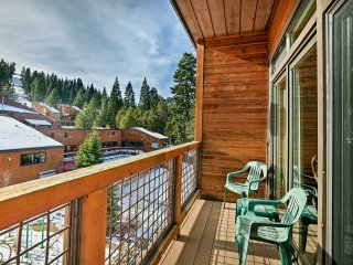 Condo w/Mtn View - Steps to Tahoe Donner Amenities