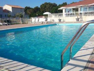 Residence 'A Nuciola ***' avec piscine exterieure chauffee