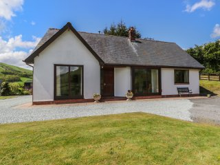 DRAINBYRION FARM HOUSE, all ground floor, stunning scenery, near Llanidloes, Ref
