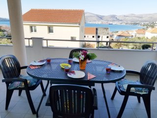 2 bedroom apartment, Sleeps 4+2, Closest restaurant is 20m away