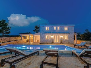 White Orchid , luxury villa with a private pool