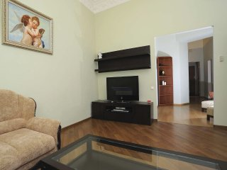 Two bedrooms. 9a Mykhailivs'kyi In. Centre