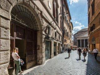 Via del Pantheon