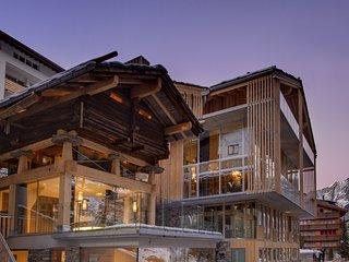 *Best Rates* Ultimate Luxury Chalet Set In The Heart Of Zermatt
