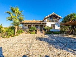 Cubo's Villa La Abeja