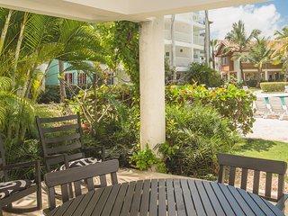 Swim-Up Luxury Beach House, Playa Turquesa Ocean Club