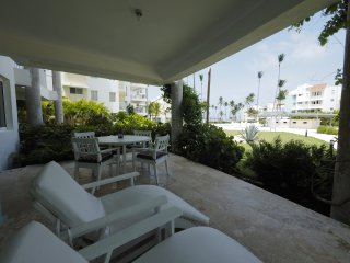 PLAYA TURQUESA Ocean View Apartment One Bedroom D102