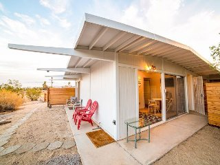 1BR Casita in Prime Stargazing Zone - Pool, Hot Tub & Mountain Views