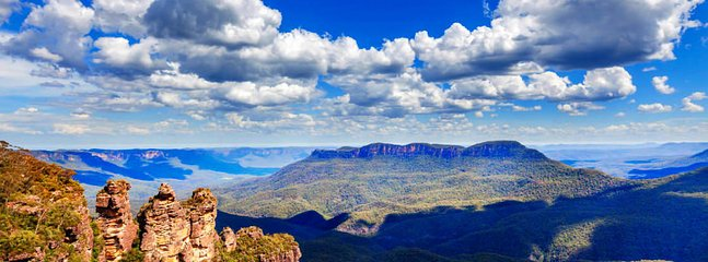 Get on the train or drive to Blue Mountains for sightseeing!