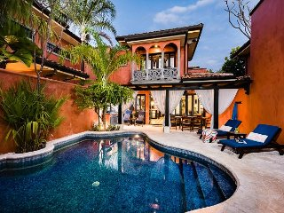 Charming private villa- private pool, near beach, cable, gas grill, a/c
