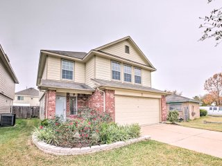 Spacious 4BR Houston Home in Unbeatable Location!