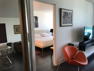 The Sophistiqué -Luxury City View  1 Bedroom + 1 Bathroom