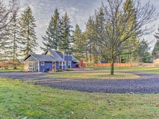 NEW! 3BR Home 2 Miles from Historic Gig Harbor!