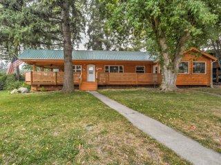 Renovated Cabin by Flathead Lake & Glacier Park!