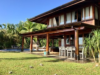 Casa Ganesha - Stylish House with Pool & Spectacular Ocean Views