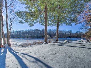 NEW! Waterfront 3BR Conway House w/ Dock & Beach!