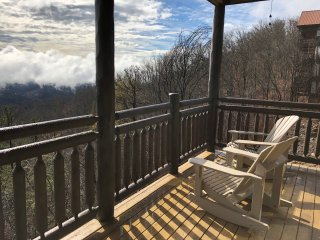 View from the Top - Unobstructed Panoramic View ( Luxury True Cedar Log Cabin)